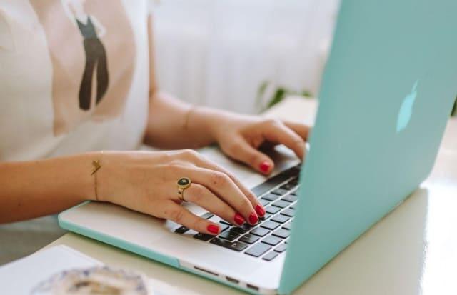 manfaat menulis blog : Mendapatkan Penghasilan