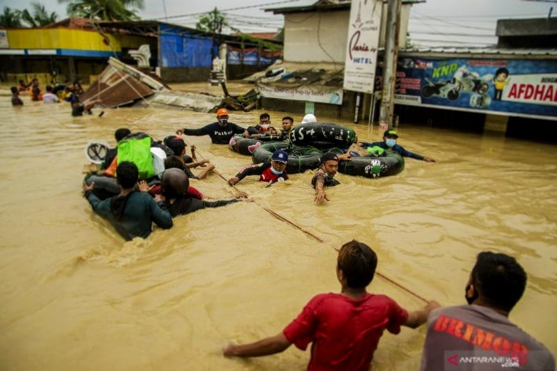 10 bencana alam di indonesia beserta gambarnya dan penjelasannya, artikel bencana alam di indonesia, bencana alam akibat ulah manusia di indonesia, bencana alam arti indonesia, bencana alam di indonesia, bencana alam di indonesia 2019, bencana alam di indonesia 2020, bencana alam di indonesia 2021, bencana alam di indonesia 2021 beserta gambarnya, bencana alam di indonesia 2021 dan penyebabnya, bencana alam di indonesia 5 tahun terakhir, bencana alam di indonesia agustus 2021, bencana alam di indonesia akhir akhir ini, bencana alam di indonesia akibat ulah manusia, bencana alam di indonesia april 2021, bencana alam di indonesia awal tahun 2021, bencana alam di indonesia bahasa inggris, bencana alam di indonesia banjir, bencana alam di indonesia baru baru ini, bencana alam di indonesia beserta gambarnya, bencana alam di indonesia beserta jumlah korban, bencana alam di indonesia beserta jumlah korban dan tahun kejadian, bencana alam di indonesia beserta jumlah korban jiwanya, bencana alam di indonesia beserta lokasi dan waktu terjadinya, bencana alam di indonesia brainly, bencana alam di indonesia bulan agustus 2021, bencana alam di indonesia bulan juli 2021, bencana alam di indonesia bulan september 2021, bencana alam di indonesia dalam bahasa inggris, bencana alam di indonesia dan, bencana alam di indonesia dan cara penanggulangannya, bencana alam di indonesia dan dampaknya, bencana alam di indonesia dan gambarnya, bencana alam di indonesia dan jumlah korban jiwa, bencana alam di indonesia dan korbannya, bencana alam di indonesia dan penanggulangannya, bencana alam di indonesia dan penyebabnya, bencana alam di indonesia dan upaya penanggulangannya, bencana alam di indonesia dari tahun 2004 sampai sekarang, bencana alam di indonesia didominasi karena kerusakan lingkungan, bencana alam di indonesia februari 2021, bencana alam di indonesia gempa bumi, bencana alam di indonesia gunung meletus, bencana alam di indonesia hari ini, bencana alam di indonesia infografis, ben